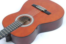 Valencia klasiskās ģitāras komplekts CG150