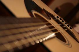 Yamaha FG700MS akustiskā ģitāra