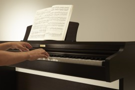 Kā izvēlēties savas digitālās klavieres?
